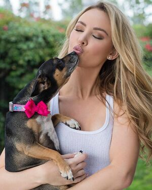 Love my animals!🐾🎀 I never had a dog growing up so once I moved out and adopted my first pup it really was like potato chips, I couldn't have just one 🤦🏼‍♀️🤦🏼‍♀️🤦🏼‍♀️ Do you have any pets?